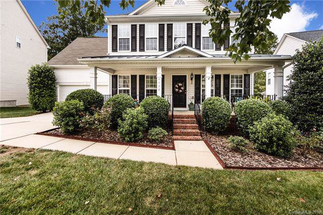 1138 Elrond Drive NW, Charlotte, NC 28269 (#3546828) :: The Andy Bovender Team