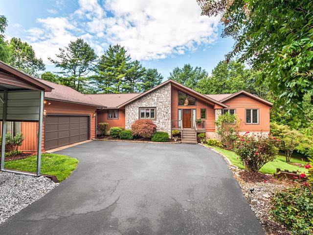 211 Red Bird Lane, Hendersonville, NC 28791 (#3547330) :: Chantel Ray Real Estate