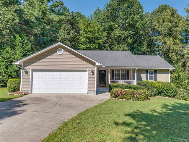 127 Chestnut Lane, Hendersonville, NC 28792 (#3547339) :: Rowena Patton's All-Star Powerhouse