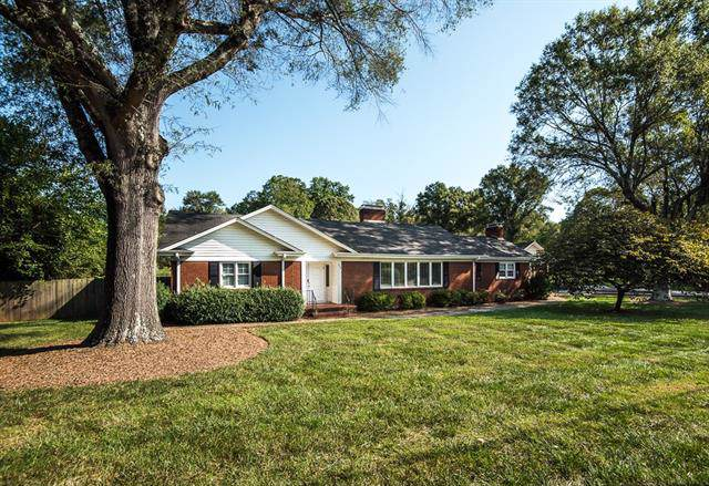 910 12th Avenue NW, Hickory, NC 28601 (#3547444) :: Carlyle Properties