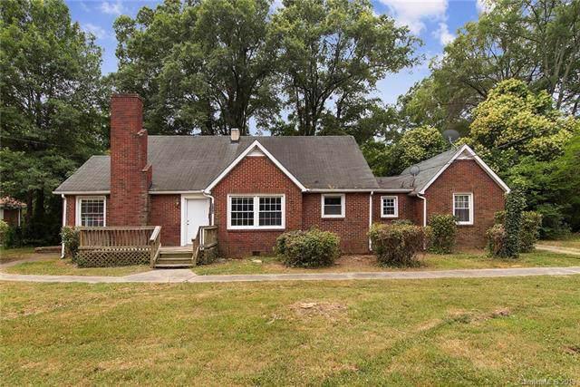 3719 Tuckaseegee Road, Charlotte, NC 28208 (#3547563) :: Homes Charlotte