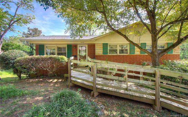7225 Watercrest Road, Charlotte, NC 28210 (#3547689) :: The Andy Bovender Team