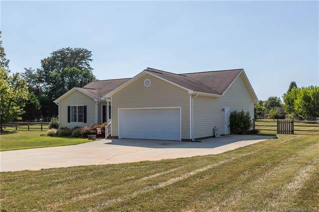 105 Rock Island Drive, Statesville, NC 28625 (#3548088) :: Scarlett Real Estate