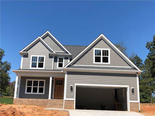36 Divot Court, Hickory, NC 28601 (#3548167) :: Besecker Homes Team