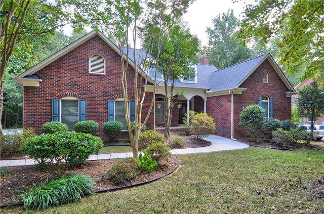 4424 Mountain Cove Drive, Charlotte, NC 28216 (#3548321) :: LePage Johnson Realty Group, LLC
