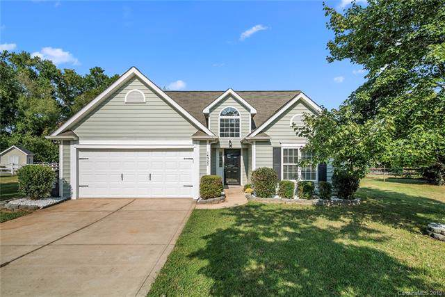 14322 Chenault Drive, Huntersville, NC 28078 (#3548332) :: The Andy Bovender Team