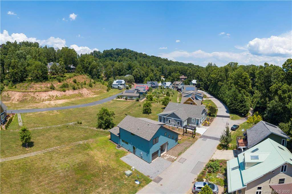 20 Destination Drive, Asheville, NC 28806 (#3548386) :: Rinehart Realty