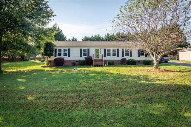 100 Grand Acres Lane, Maiden, NC 28650 (#3548393) :: The Ramsey Group