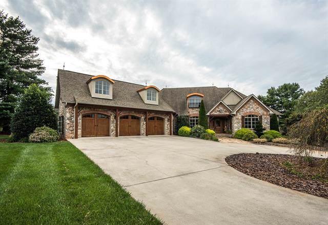 1072 Catawba Greens Drive, Newton, NC 28658 (#3548451) :: Robert Greene Real Estate, Inc.