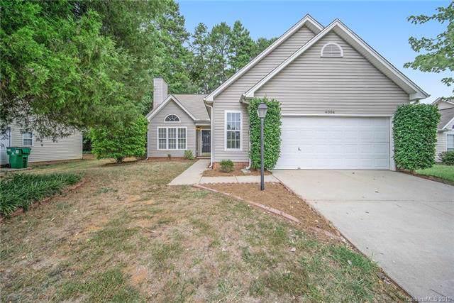 4006 Huntmeadow Drive, Charlotte, NC 28269 (#3548509) :: Besecker Homes Team