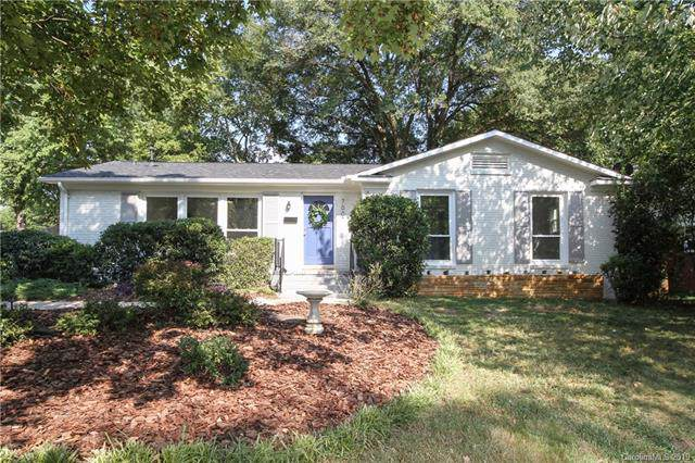 7007 Thorncliff Drive, Charlotte, NC 28210 (#3548609) :: The Andy Bovender Team