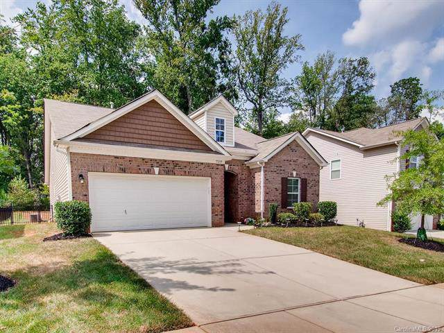 7219 Barefoot Forest Drive, Charlotte, NC 28269 (#3548751) :: Carlyle Properties