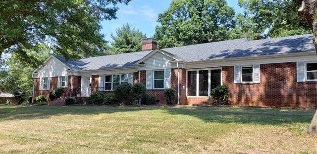1724 2nd Avenue NW, Hickory, NC 28601 (#3549077) :: Rinehart Realty