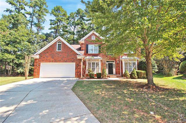4404 Red Holly Court, Charlotte, NC 28215 (#3549394) :: Washburn Real Estate