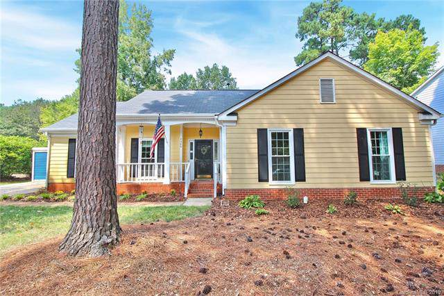4300 Saxonbury Way, Charlotte, NC 28269 (#3549744) :: Carlyle Properties