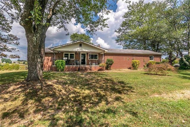 138 Air Mail Drive, Hendersonville, NC 28792 (#3549829) :: Scarlett Real Estate