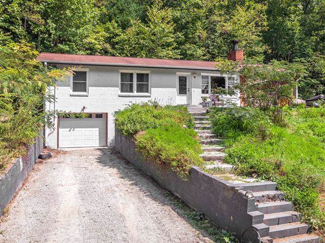 339 Holiday Drive, Hendersonville, NC 28739 (#3549951) :: Carlyle Properties