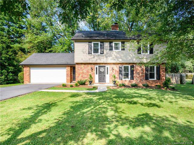 112 Underhill Road, Hendersonville, NC 28792 (#3549957) :: The Ramsey Group