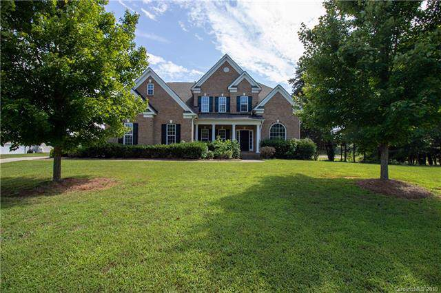 110 Herons Gate Drive, Mooresville, NC 28117 (#3550180) :: Chantel Ray Real Estate