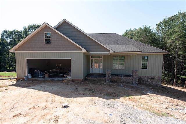 21 Par Drive, Granite Falls, NC 28630 (#3550221) :: Besecker Homes Team