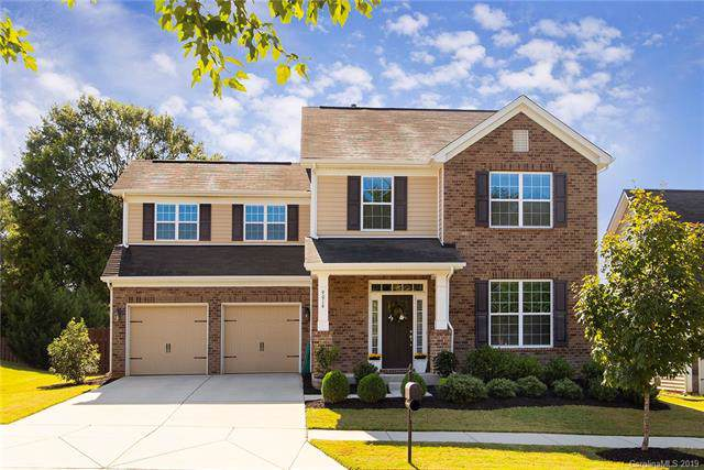 9016 Krestridge View Drive, Huntersville, NC 28078 (#3550450) :: Carver Pressley, REALTORS®