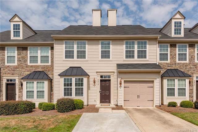 9812 Springholm Drive, Charlotte, NC 28278 (#3550539) :: Besecker Homes Team