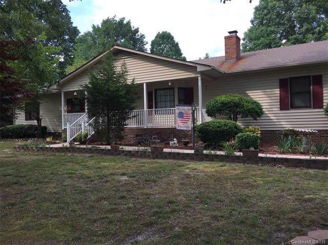 2037 Wt Carpenter Drive, Lincolnton, NC 28092 (#3550663) :: Rinehart Realty