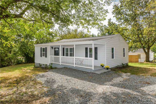 700 E Chestnut Street, Stanley, NC 28164 (#3550723) :: LePage Johnson Realty Group, LLC