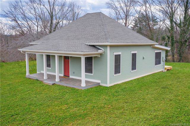 501 N Stanwood Lane, Hendersonville, NC 28739 (#3550776) :: Chantel Ray Real Estate