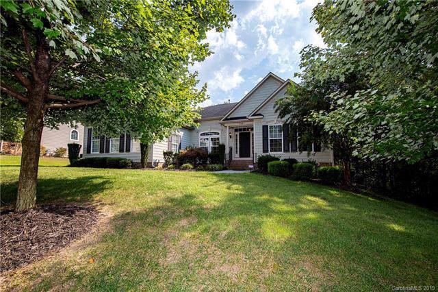 669 Reliance Court, Tega Cay, SC 29708 (#3550990) :: Rinehart Realty