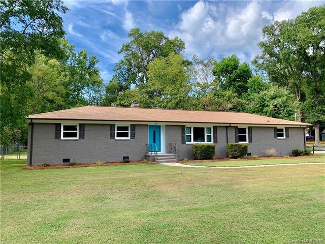 9211 Mount Holly Hntrsvlle Road, Huntersville, NC 28078 (#3551282) :: Rinehart Realty
