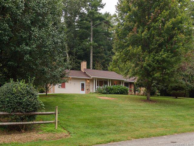106 Old Kanuga Place, Hendersonville, NC 28739 (#3551509) :: Puma & Associates Realty Inc.