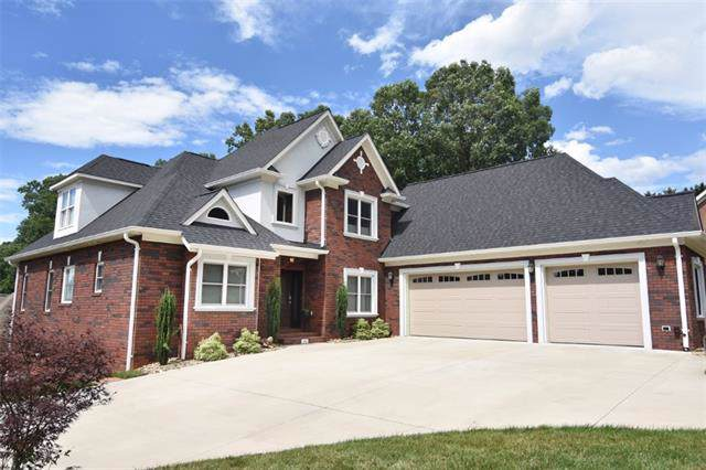 211 9th Street NE, Conover, NC 28613 (#3551516) :: Carlyle Properties