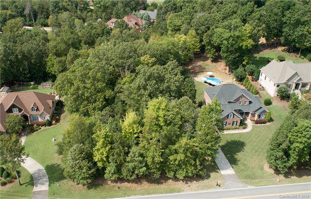 5653 Lake Wylie Road, Clover, SC 29710 (#3551589) :: TeamHeidi®