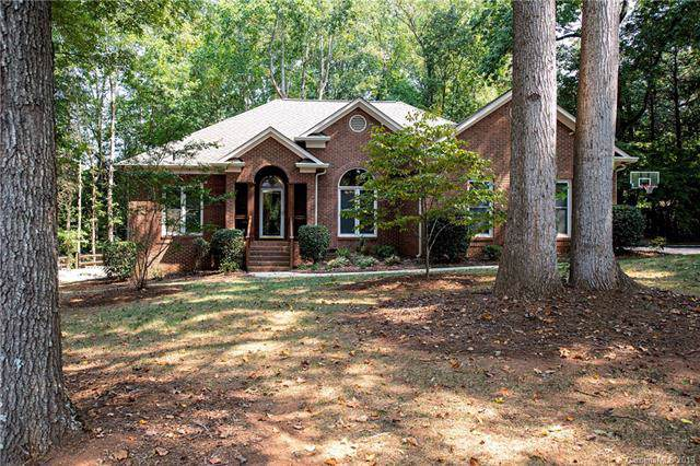 6116 Palomino Ridge, Matthews, NC 28104 (#3551625) :: Puma & Associates Realty Inc.