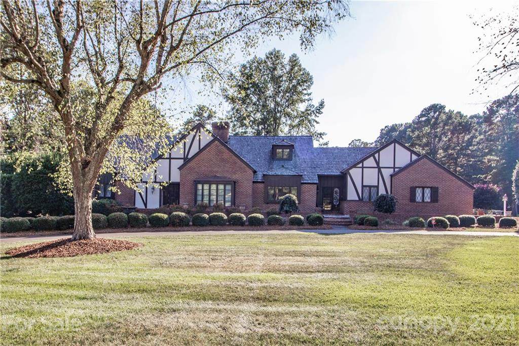 510 Saint Andrews Road, Statesville, NC 28625 (#3551776) :: Rowena Patton's All-Star Powerhouse