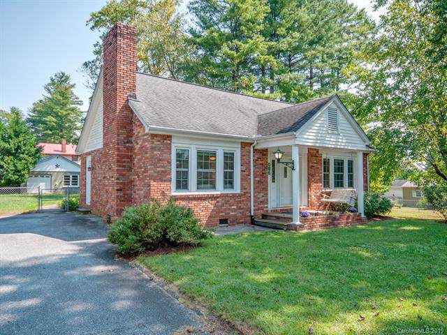 812 S Whitted Street, Hendersonville, NC 28739 (#3551814) :: Keller Williams Professionals