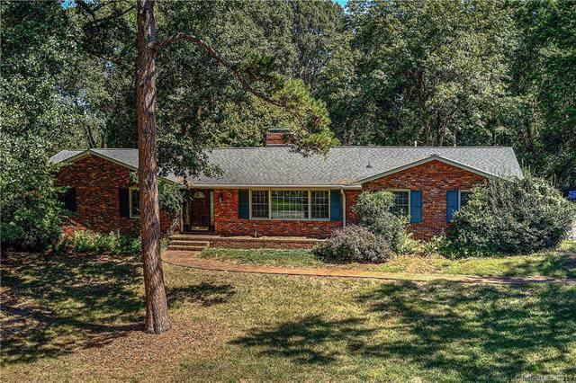 4801 Carmel Club Drive, Charlotte, NC 28226 (#3552031) :: Robert Greene Real Estate, Inc.
