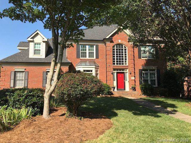 4801 Hickory Lake Lane, Matthews, NC 28105 (#3552048) :: Puma & Associates Realty Inc.