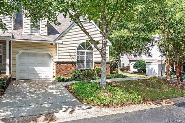 5960 Moose Lane, Charlotte, NC 28269 (#3552083) :: Charlotte Home Experts