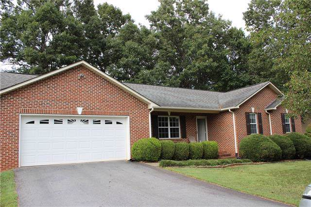 1999 Summerfield Circle, Conover, NC 28613 (#3552086) :: Rinehart Realty