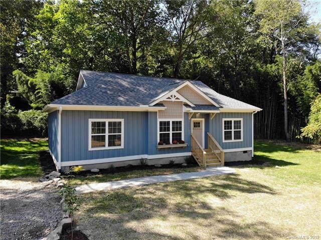 1043 Maple Street, Hendersonville, NC 28792 (#3552576) :: Homes Charlotte