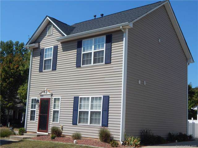 10707 Meadow Crossing Lane, Cornelius, NC 28031 (#3552602) :: MartinGroup Properties