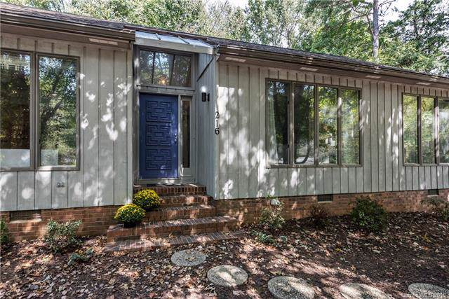 216 Crescent Drive, Davidson, NC 28036 (#3552664) :: Stephen Cooley Real Estate Group