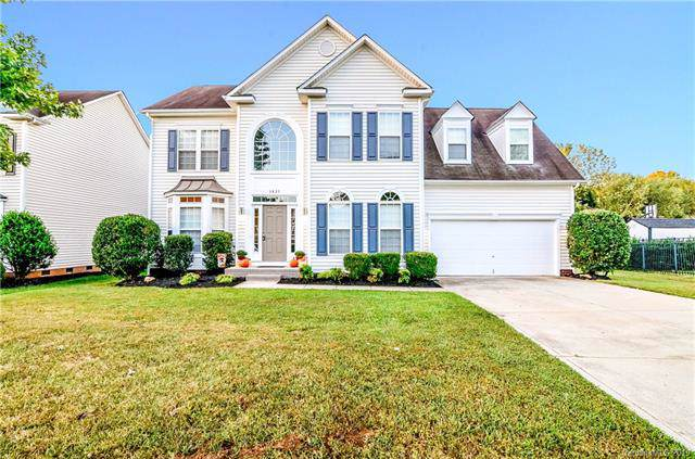 3835 Green Pasture Road, Charlotte, NC 28269 (#3552860) :: Carlyle Properties