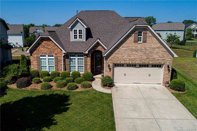 6011 Berewick Commons Parkway, Charlotte, NC 28278 (#3552934) :: Robert Greene Real Estate, Inc.
