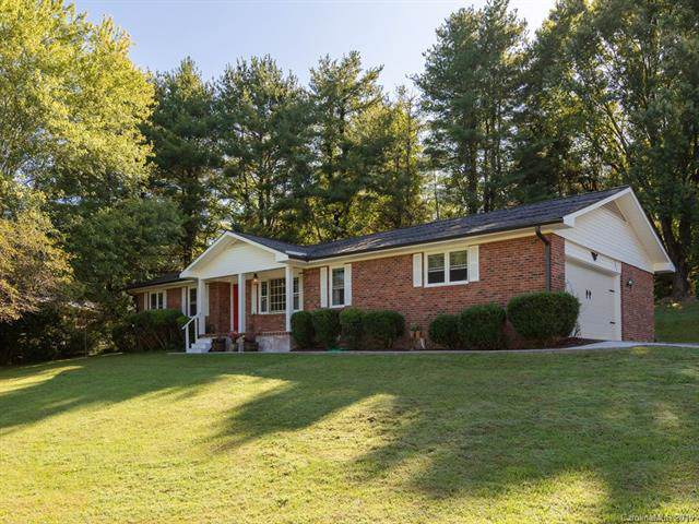 393 Wayside Lane, Hendersonville, NC 28792 (#3553006) :: Robert Greene Real Estate, Inc.