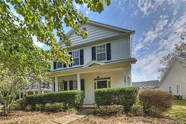 15440 Crossing Gate Drive, Cornelius, NC 28031 (#3553032) :: Charlotte Home Experts