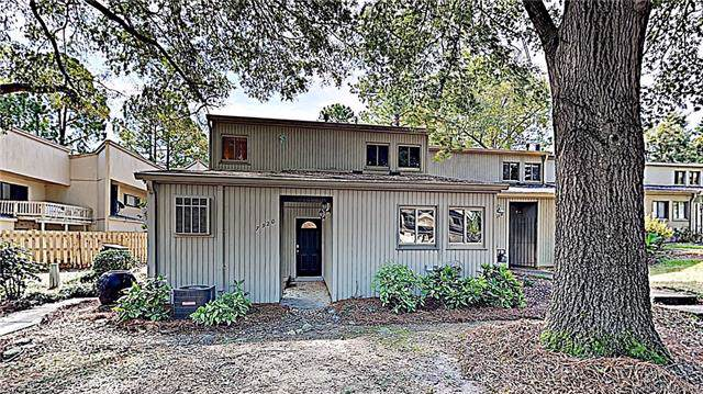 7920 Horse Chestnut Lane, Charlotte, NC 28277 (#3553277) :: LePage Johnson Realty Group, LLC