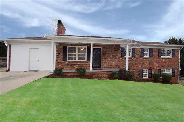 1779 Woodridge Circle, Hickory, NC 28602 (#3555205) :: Exit Realty Vistas